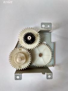 Cụm bánh răng đảo mặt 1320 - 2015D - 2055D - 3300 bóc máy